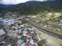 Casas y río de la ciudad de la descripción de Panamá Fotografía de archivo libre de regalías