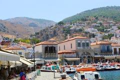 Casas y yates - islas de Grecia Imagenes de archivo