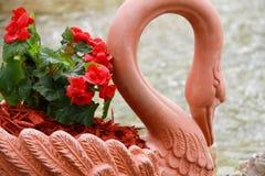 Casca decorativa vermelha da palha de canteiro Imagens de Stock