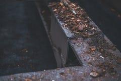 Casca na construção do metal Textura Fundo borr?o imagens de stock royalty free
