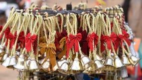 Cascabeles bonitos, hora por días de fiesta y celebración, tiempo de la Navidad Imagen de archivo