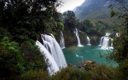 Cascada Bondjok Vietnam del norte imagen de archivo