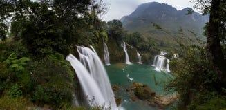 Cascada Bondjok Vietnam del norte fotos de archivo libres de regalías