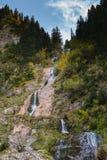 Cascada Cailor/cascade 3 de chevaux Images stock
