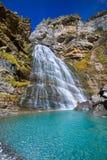Cascada Cola de Caballo en el valle los Pirineos España de Ordesa Imagen de archivo libre de regalías