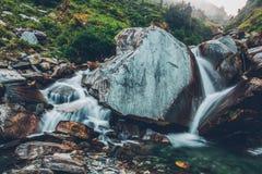 Cascada de Bhagsu Bhagsu, Himachal Pradesh, la India fotos de archivo
