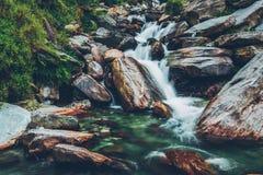 Cascada de Bhagsu Bhagsu, Himachal Pradesh, la India foto de archivo