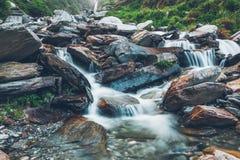 Cascada de Bhagsu Bhagsu, Himachal Pradesh, la India imagen de archivo