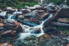 Cascada de Bhagsu Bhagsu, Himachal Pradesh, la India foto de archivo libre de regalías