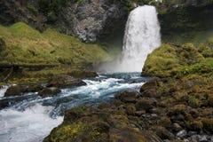 Cascada de conexión en cascada en Oregon Foto de archivo libre de regalías