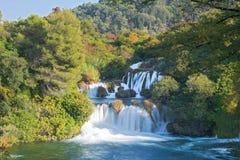 Cascada de conexión en cascada en el parque nacional Krka, Croacia Imagen de archivo