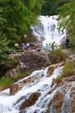 Cascada de Datanla, Dalat, en Vietnam Fotos de archivo