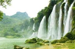 Cascada de Gioc de la interdicción en Vietnam imágenes de archivo libres de regalías