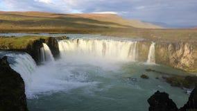 Cascada de Godafoss en Islandia almacen de video