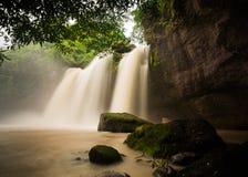 Cascada de Haew Suwat en el parque nacional de Khao Yai Imagen de archivo libre de regalías