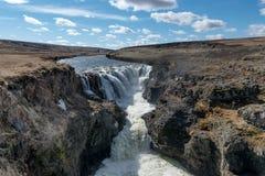 Cascada de Kolugljufur, Islandia Fotografía de archivo