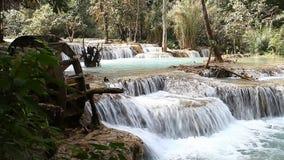 Cascada de Kuang Si, prabang de Luang, Laos almacen de metraje de vídeo