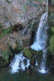 Cascada de la Cueva en科瓦东加, Cangas de OnAss,西班牙 库存照片