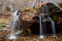 Cascada de la montaña Imágenes de archivo libres de regalías