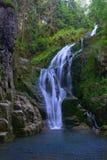 Cascada de la montaña Foto de archivo libre de regalías
