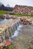 Cascada de la primavera de agua Fotografía de archivo