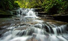Cascada de Lauera en montañas azules Fotos de archivo libres de regalías