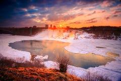 Cascada de Niágara el la estación del invierno fotos de archivo libres de regalías