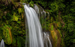 Cascada de Pulhapanzak en Honduras - 4 Fotos de archivo