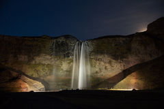 Cascada de Seljalandsfoss en Islandia del sur. Fotografía de archivo libre de regalías
