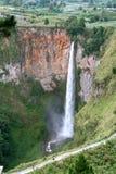 Cascada de Sipiso Piso Imagen de archivo