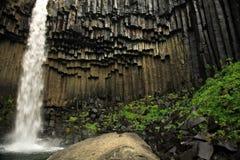 Cascada de Svartifoss y básico Fotos de archivo libres de regalías