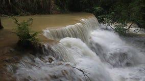 Cascada de Tat Kuang Si metrajes
