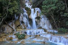 Cascada de Tat Kuang Si en el luang Prabang, Laos Fotografía de archivo libre de regalías