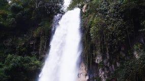 Cascada de Tawangmangu Grojogan Sewu fotografía de archivo