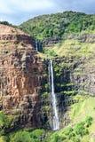 Cascada del barranco de Waimea en Hawaii Imágenes de archivo libres de regalías