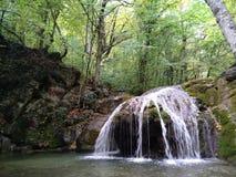 Cascada del verano de Crimea Imágenes de archivo libres de regalías