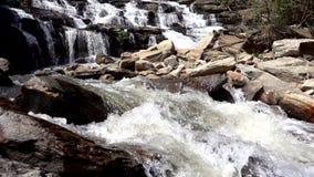 Cascada del ya de Mae en la cámara lenta almacen de video