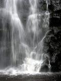 Cascada en blanco y negro Foto de archivo libre de regalías