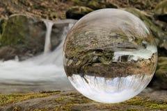 Cascada en bola de cristal Fotos de archivo libres de regalías