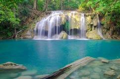 Cascada en bosque profundo en el parque nacional de la cascada de Erawan, Fotos de archivo