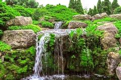 Cascada en el jardín Imagenes de archivo