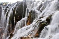 Cascada en el jiuzhaigou China Foto de archivo libre de regalías