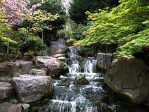 Cascada en el parque Londres de Holanda imágenes de archivo libres de regalías