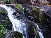 Cascada en el parque nacional, Tailandia Foto de archivo
