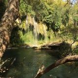 Cascada en el río imagen de archivo libre de regalías