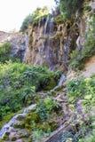 Cascada en el río de la montaña Fotografía de archivo