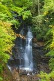 Cascada en frontera de Tennessee, Carolina del Norte Fotografía de archivo
