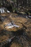 Cascada en Glen Feshie en las montañas de Escocia Imágenes de archivo libres de regalías
