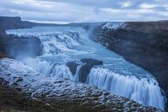 Cascada en Islandia en invierno foto de archivo