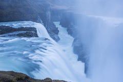 Cascada en Islandia en invierno imágenes de archivo libres de regalías